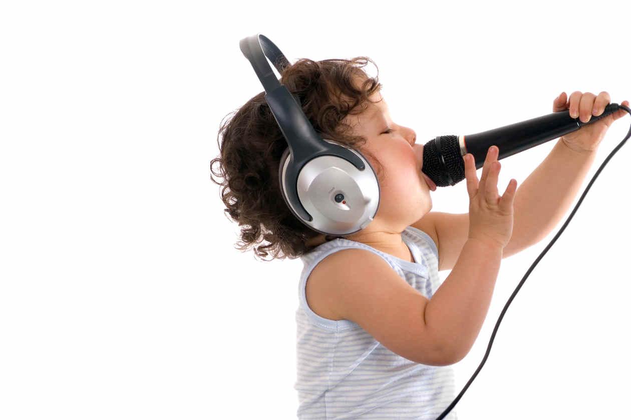 Por-que-mi-voz-suena-distinta-en-una-grabacion-3